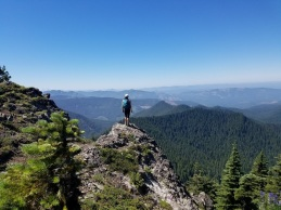 Note: directly across from the lookout is a short trail to a second viewpoint, which I would say is well worth visiting before making the descent back to Eunice Lake.